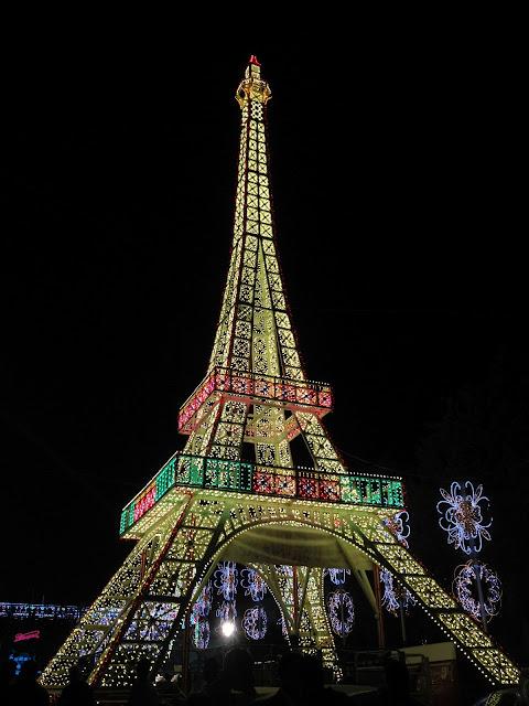 torre eiffel di luminarie