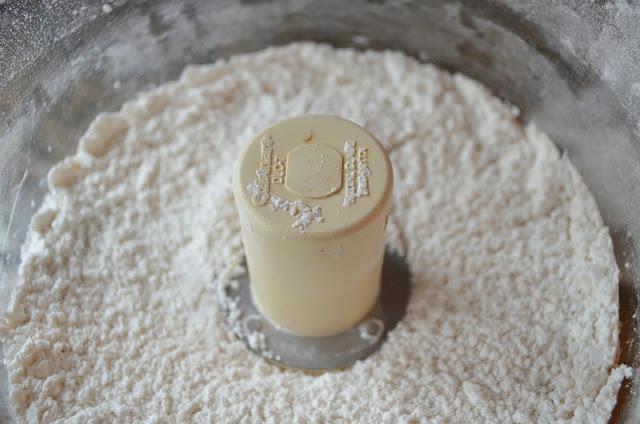 Angel-Food-Cake-Flour-Sugar.jpg