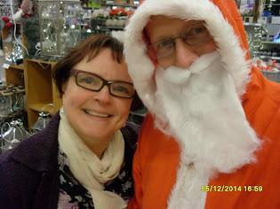 Joulupukki Tampere ymmärtää ja lohduttaa sekä tuo joulutunnelmaa kauppapaikkoihin ja perheisiin