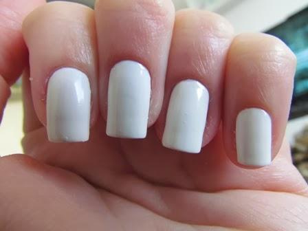 dica-evitar-manchas-esmalte-branco