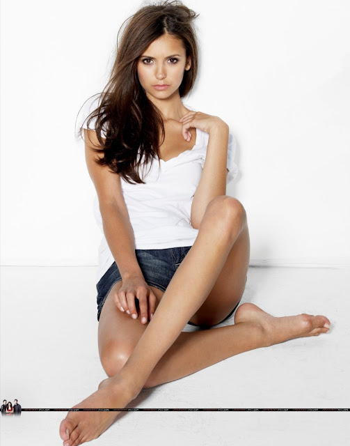 Nina Dobrev Bio - Hollywood Celebrity Nina Dobrev ...