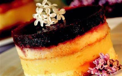 Çilekli Jelatin Pasta Tarifi