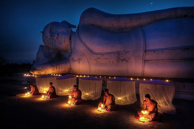 Theravada Thai Buddhist Monks Meditate Under The Buddha Entering Final Nirvana DharmaQuotes Flickr