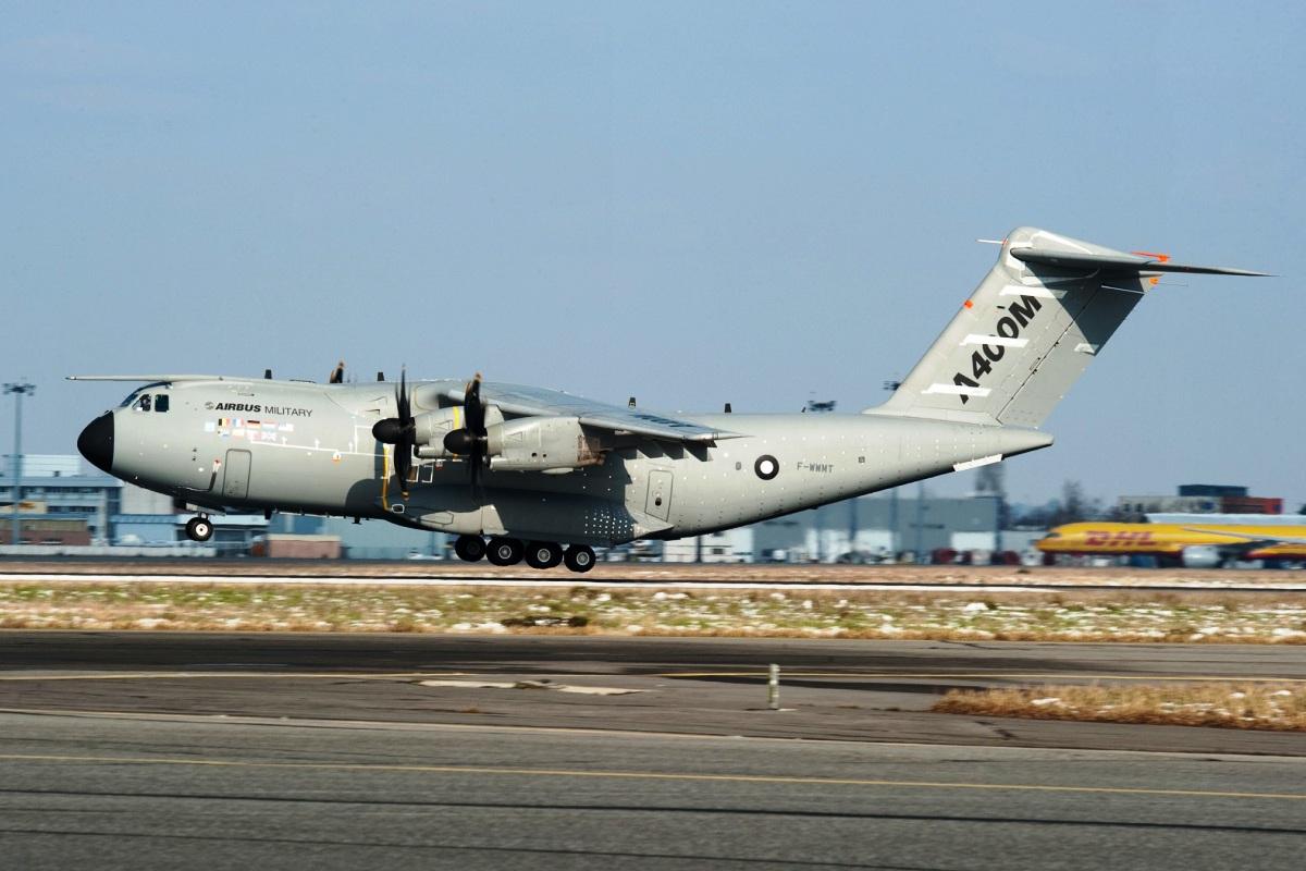 http://4.bp.blogspot.com/-1t2rLapfZLs/T4ewo-g_GDI/AAAAAAAABsw/0BeIMBLu5ow/s1600/Airbus-A400M-3.jpg