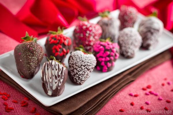 Menu na wieczór panieński: truskawki w czekoladzie