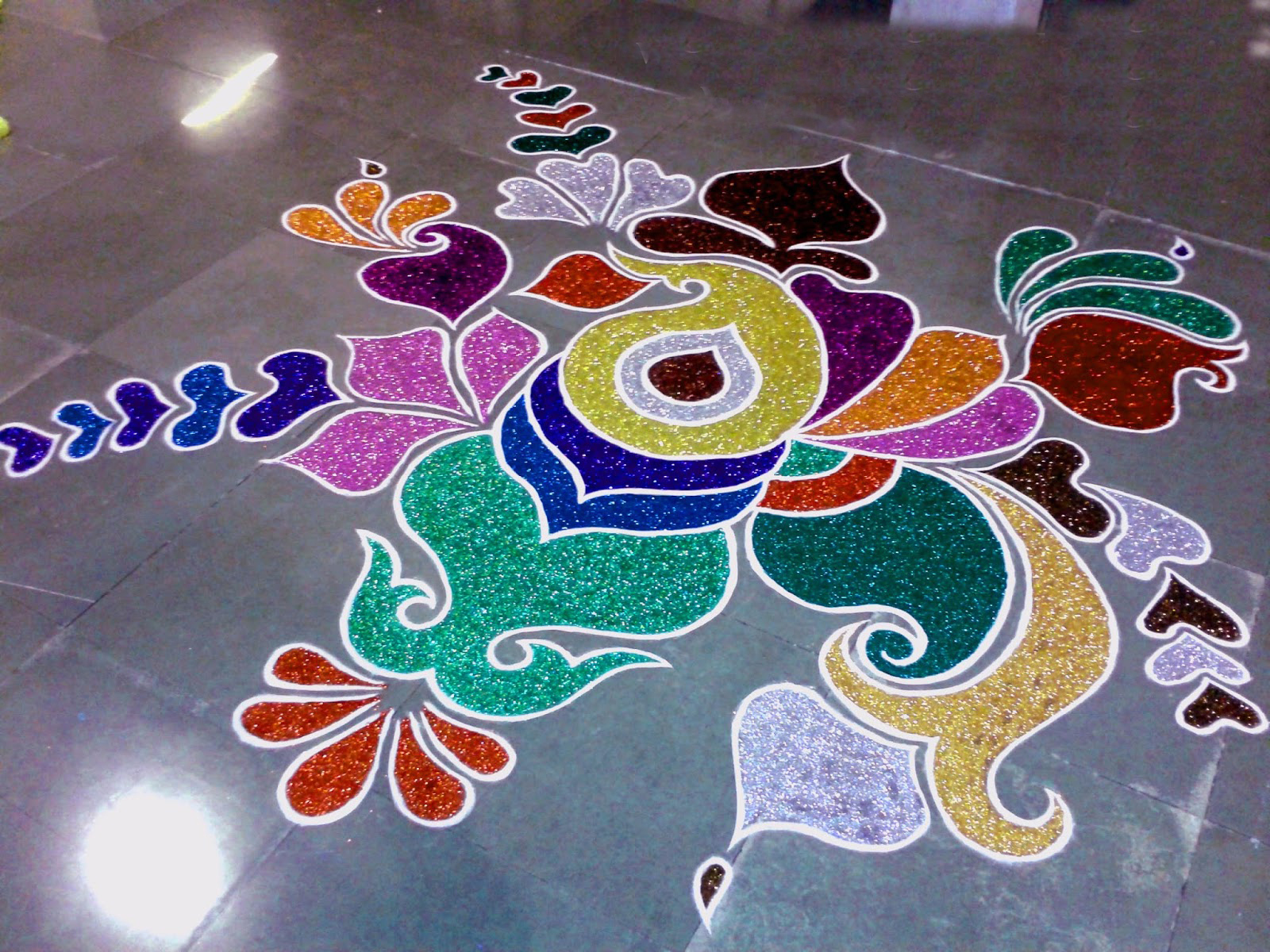 20 Unique And Beautiful Colour Rangoli Designs For Diwali ...