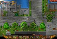 Perihelion: miasto w grze i kilku graczy w tle
