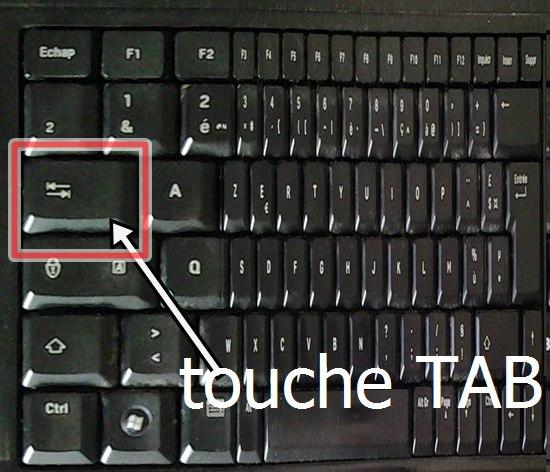 où se trouve la touche TAB sur un clavier
