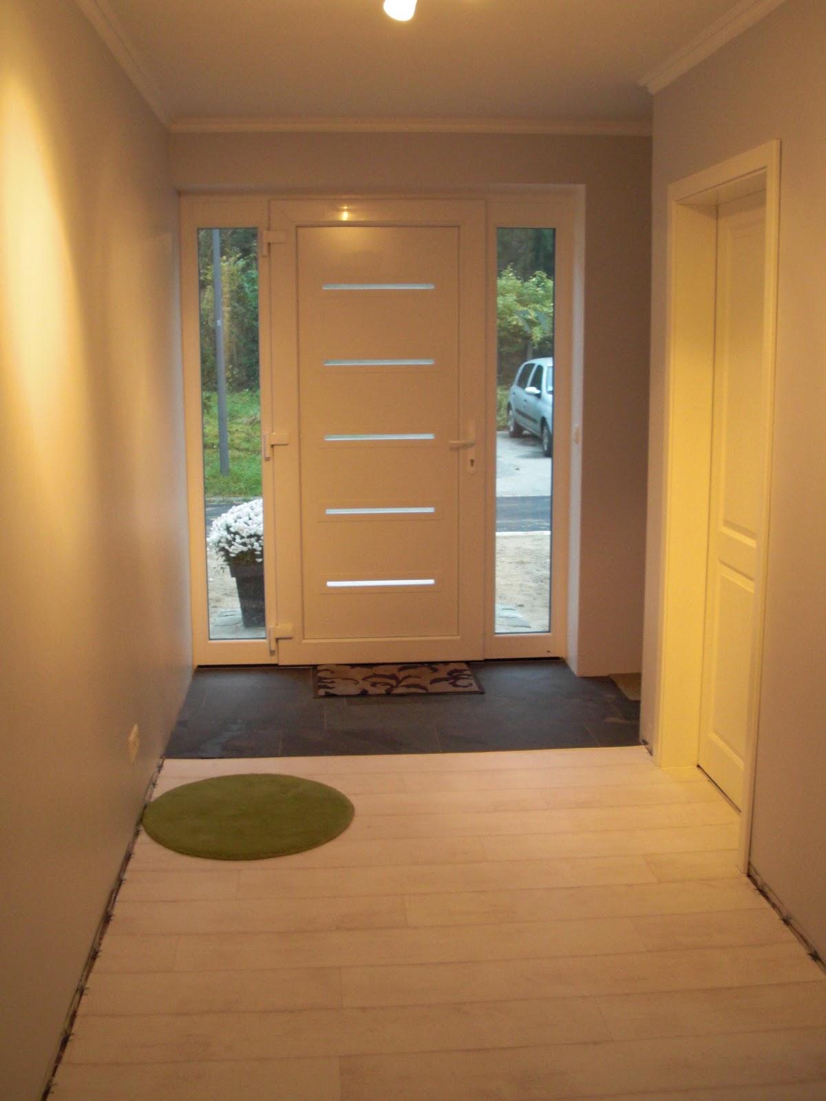 heim elich so sieht es hier gerade aus flur. Black Bedroom Furniture Sets. Home Design Ideas