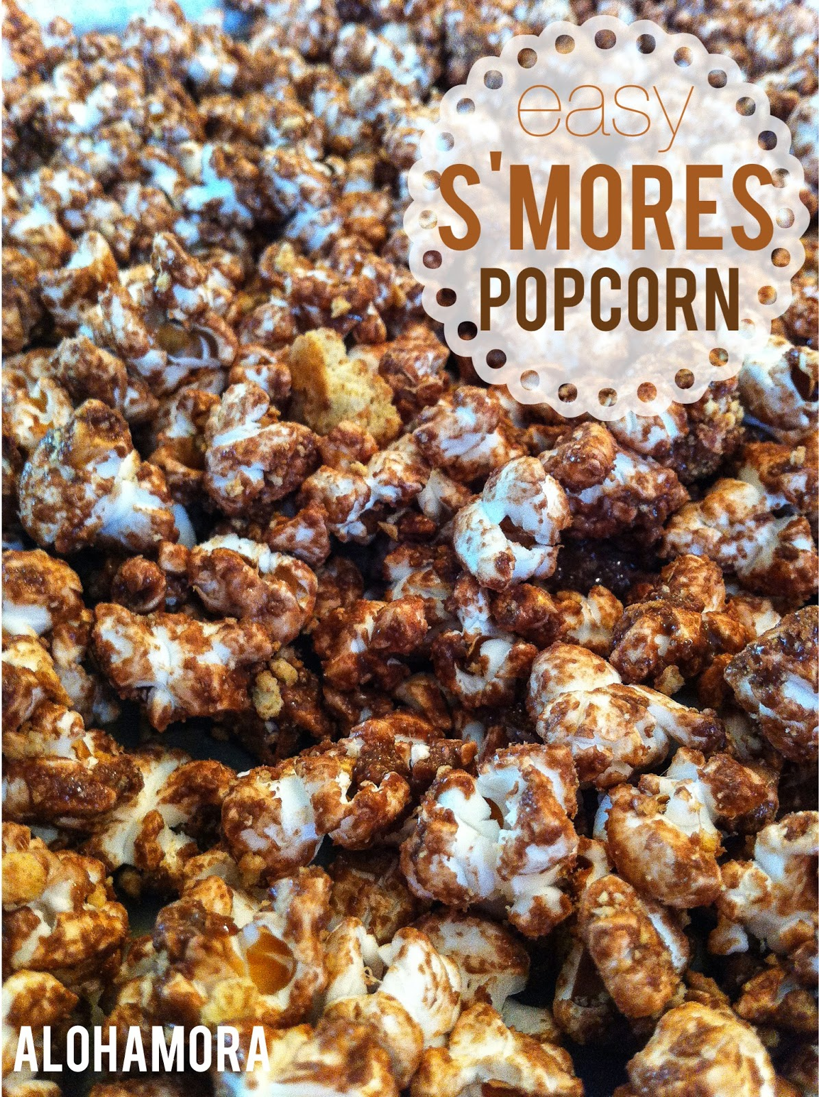 Easy S'mores Popcorn that tastes like a s'more without the mess. Perfect snack for a party or a movie.  Alohamora: Open a Book http://alohamoraopenabook.blogspot.com/