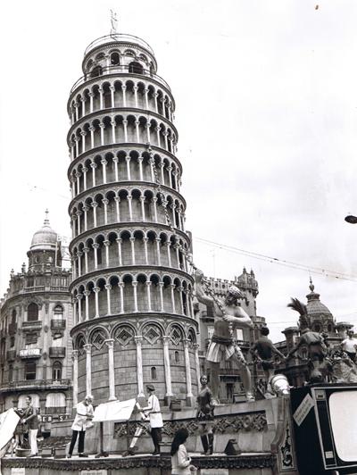 http://www.4shared.com/download/eTfdIgpMce/Torre_de_Pisa-1969-Frente.png