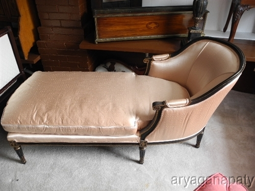 Extravagant and exquisite imagine your french decor home for Antique french chaise lounge
