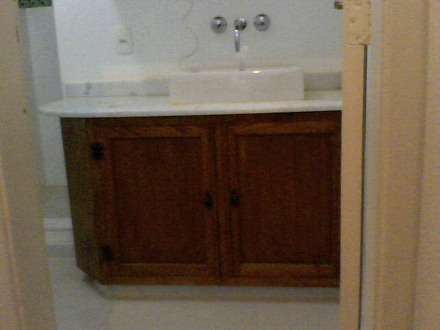 Atelier Peter Eichner Bancada e Armário de Banheiro de Demolição -> Armario De Banheiro Madeira Demolicao