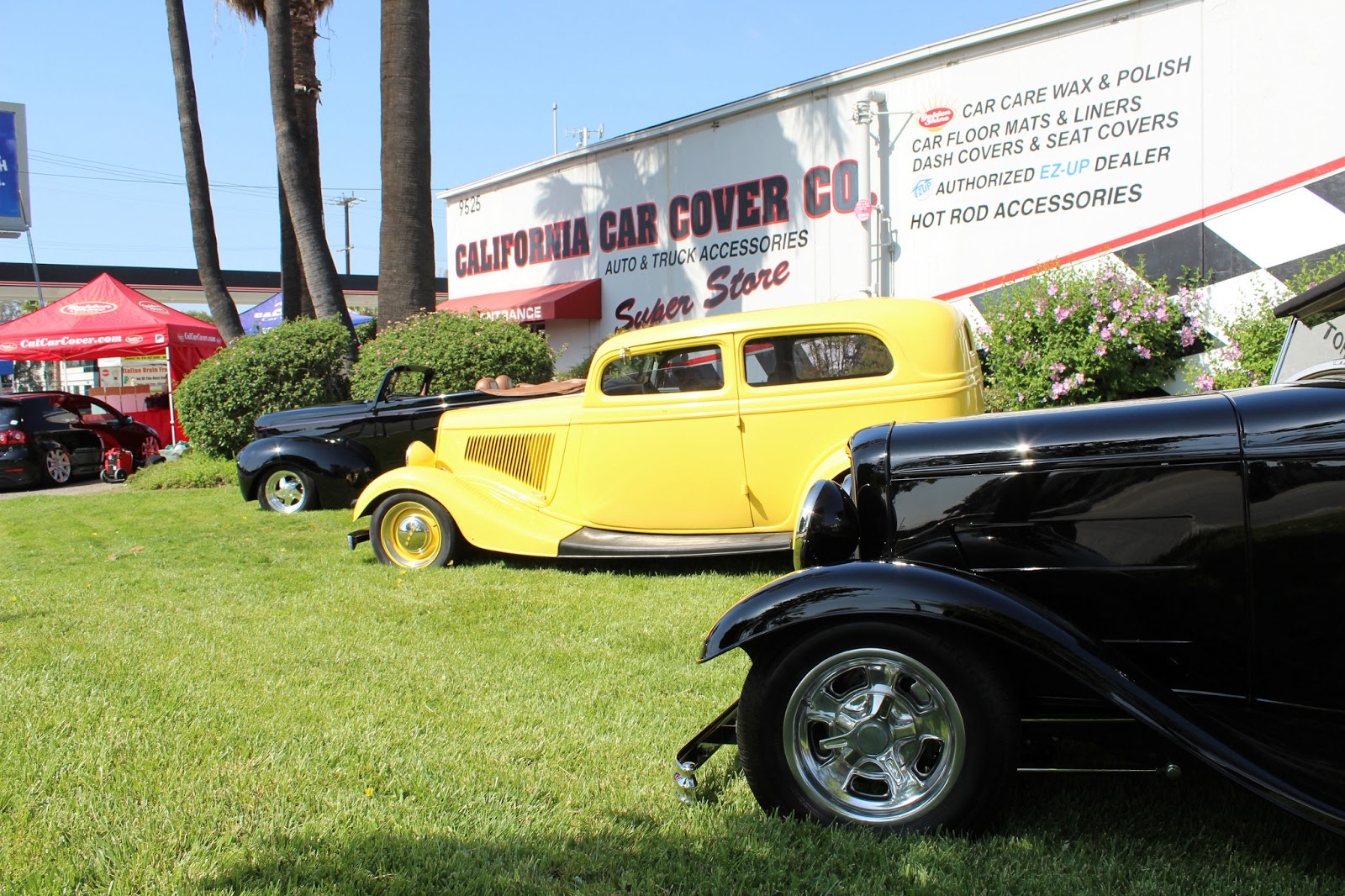 Covering Classic Cars Classic Ford Mustang Show At California - Car show floor covering