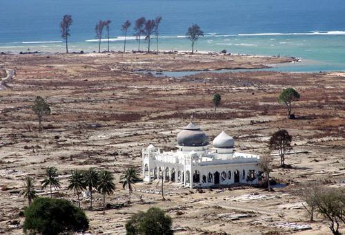 6 Masjid Ini Tetap Utuh Saat Diterjang Bencana