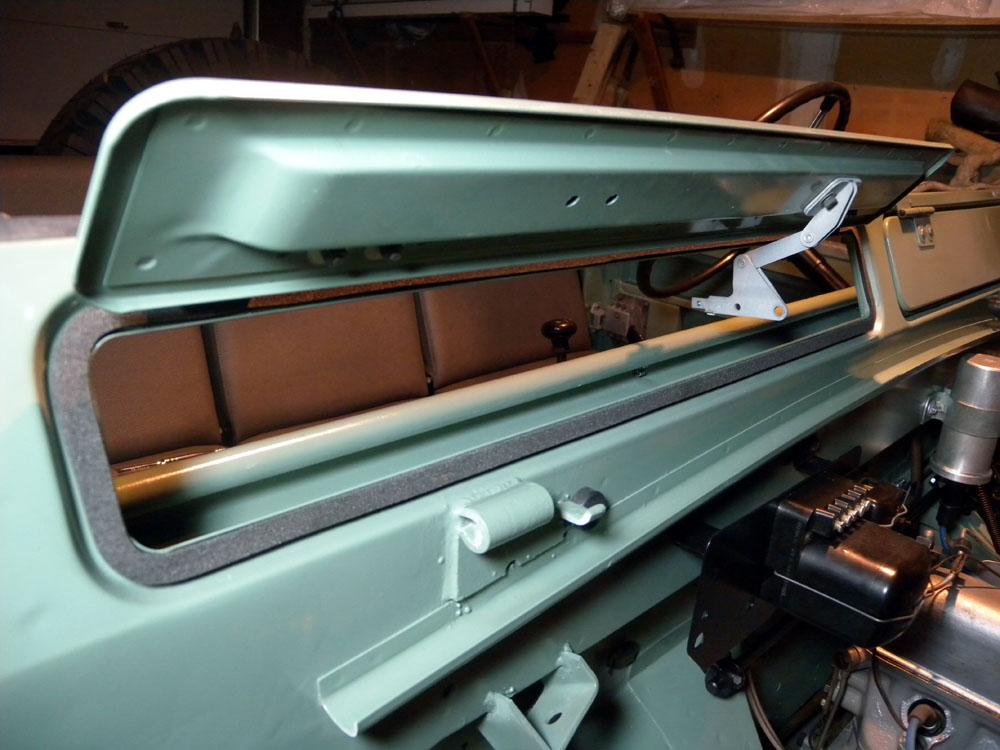 1960 Land Rover Restoration Vent Seals Windscreen