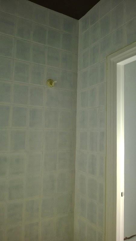 Kylpyhuoneen maalaus kaakelimaalilla  59m2