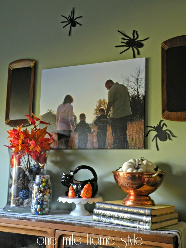 Spiders and Halloween Chalkboard Display