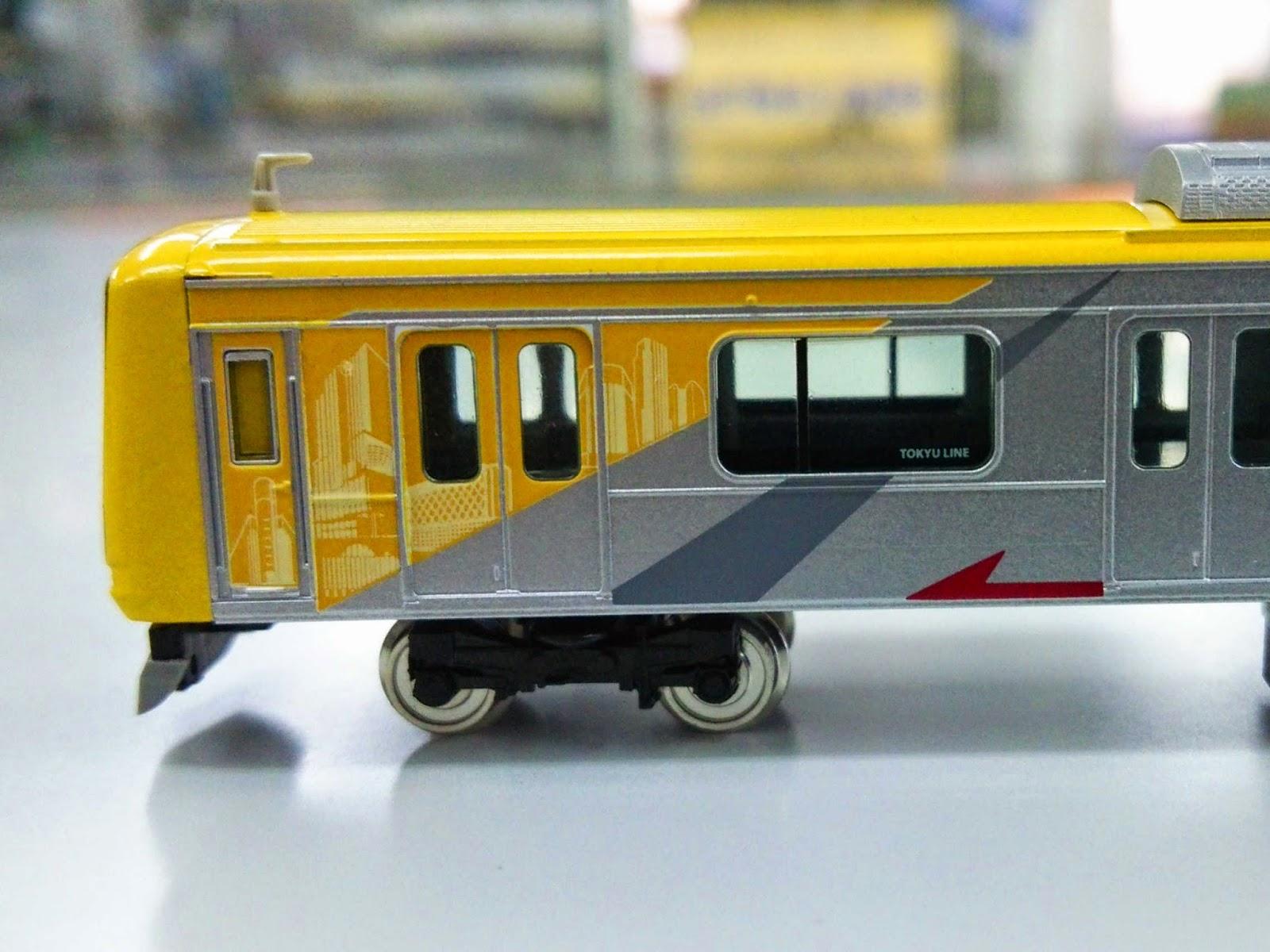 東急5050系4000番台Shibuya Hikarie号(グリーンマックス) のサンプル。側面。渋谷ヒカリエの印刷。