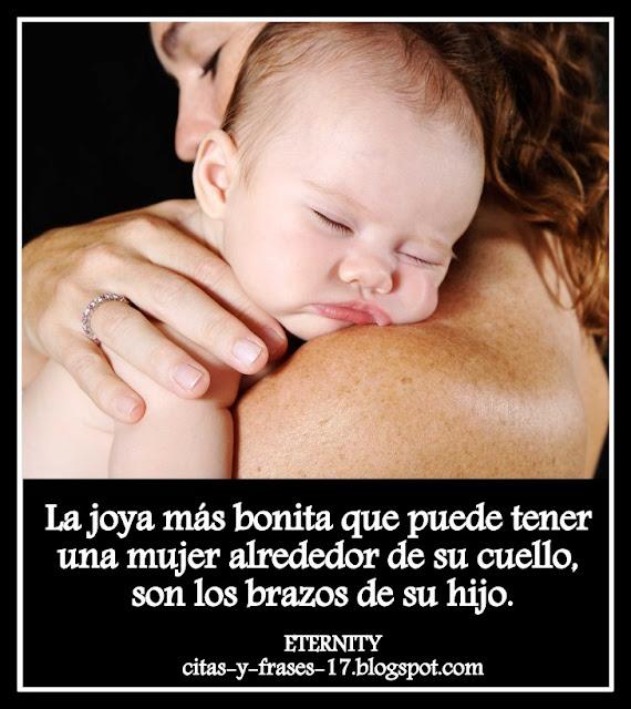 hijo abrazando a su madre, frases de familia, pensamientos y reflexiones