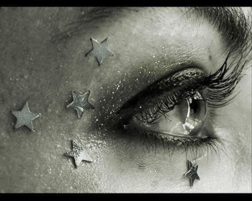 Tus ojos son las estrellas que iluminan mi camin