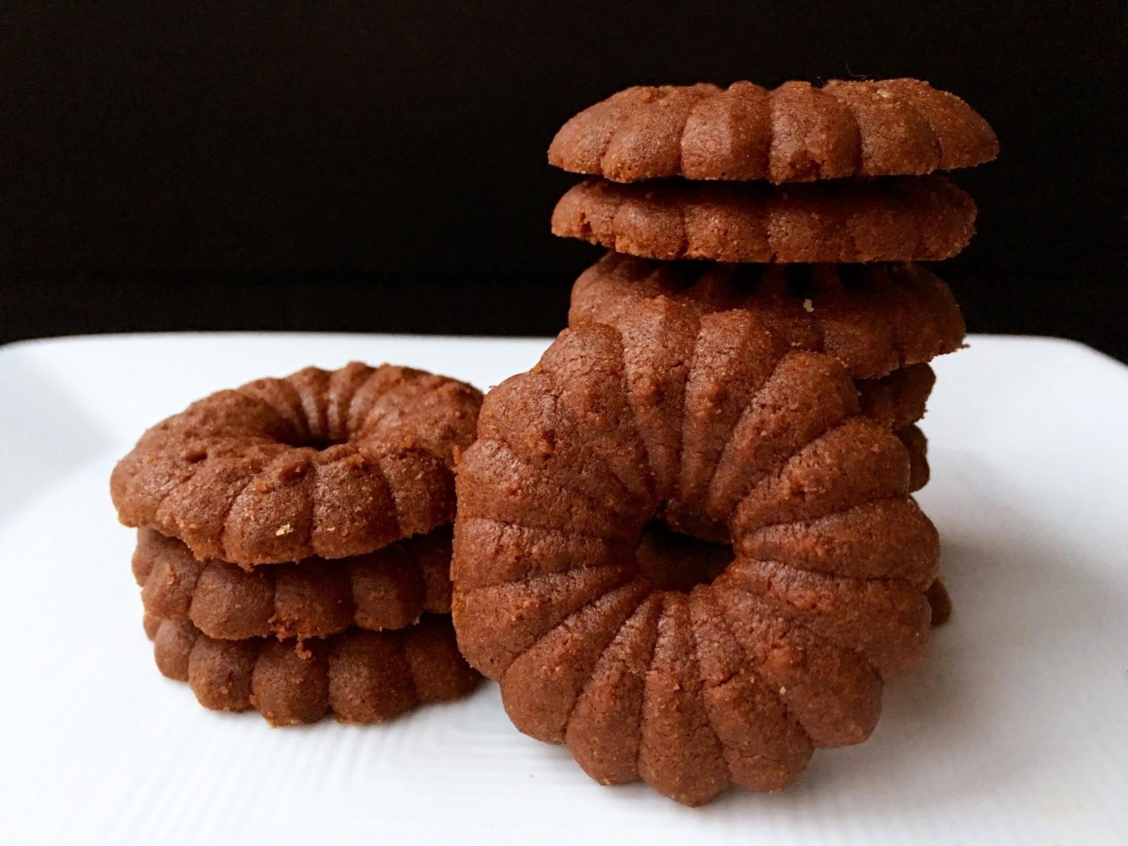 Watch Hazelnut Spritz Cookies video