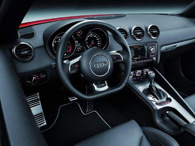 2013-Audi-TT-RS-Hot-Car-Interior