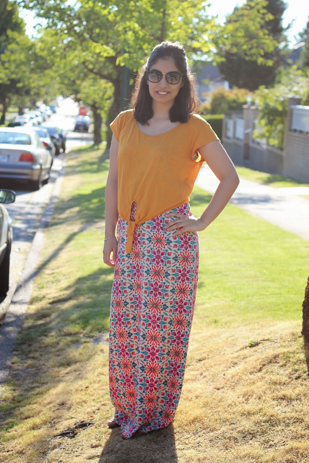 3 ways to wear a maxi dress - maxi dress with crop top