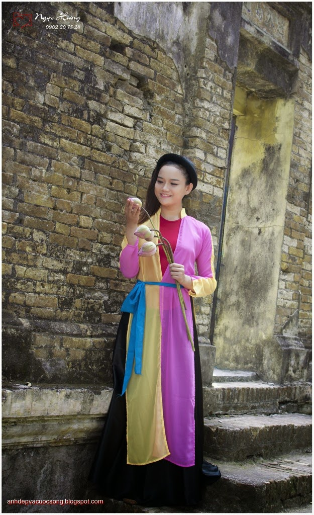 Thiếu nữ Huế xinh đẹp với áo tứ thân 8