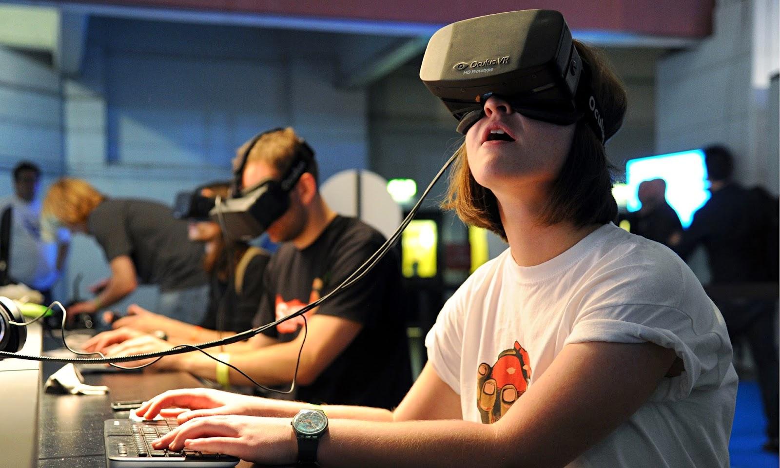 Oculus Rift online
