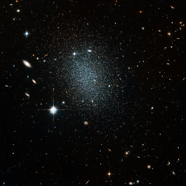 Hubble snaps nearby but faint Dwarf Galaxy ESO 540-030