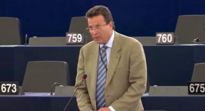 ΕΥΓΕ! Ψηφίσατε ανθρώπους που δεν έχουν να πουν τίποτε στην Ευρωβουλή εκτός από το να παίρνουν χιλιάδες ευρώ κάθε μήνα!