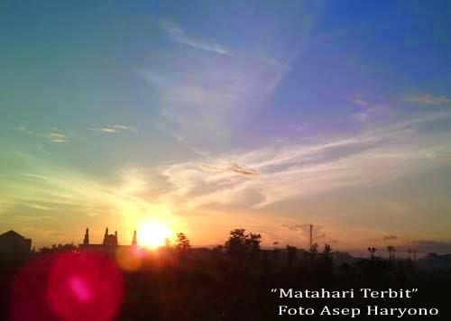 Matahari Terbit di Kubu Raya.  Foto Asep Haryono