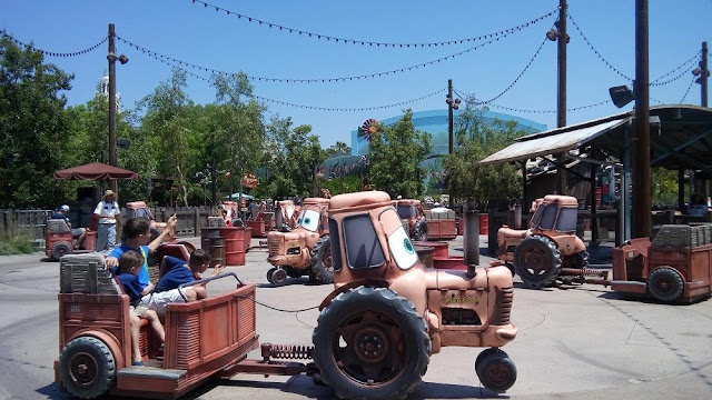 Disney California Radiator Springs Relanpago Mc queen USA
