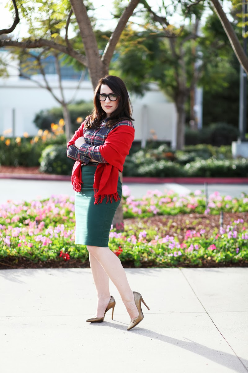 jcrew-holiday-style-red-scarf-jenna-lyons-super-ciccio-glasses-metallic-nine-west-pumps-christmas-outfit-ideas