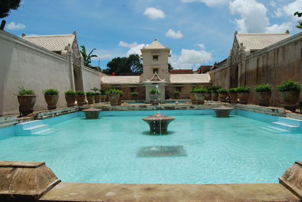 Foto Istana Air Taman Sari Yogyakarta