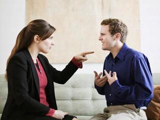 Mujeres y hombres celosos: ¿en qué se diferencian?