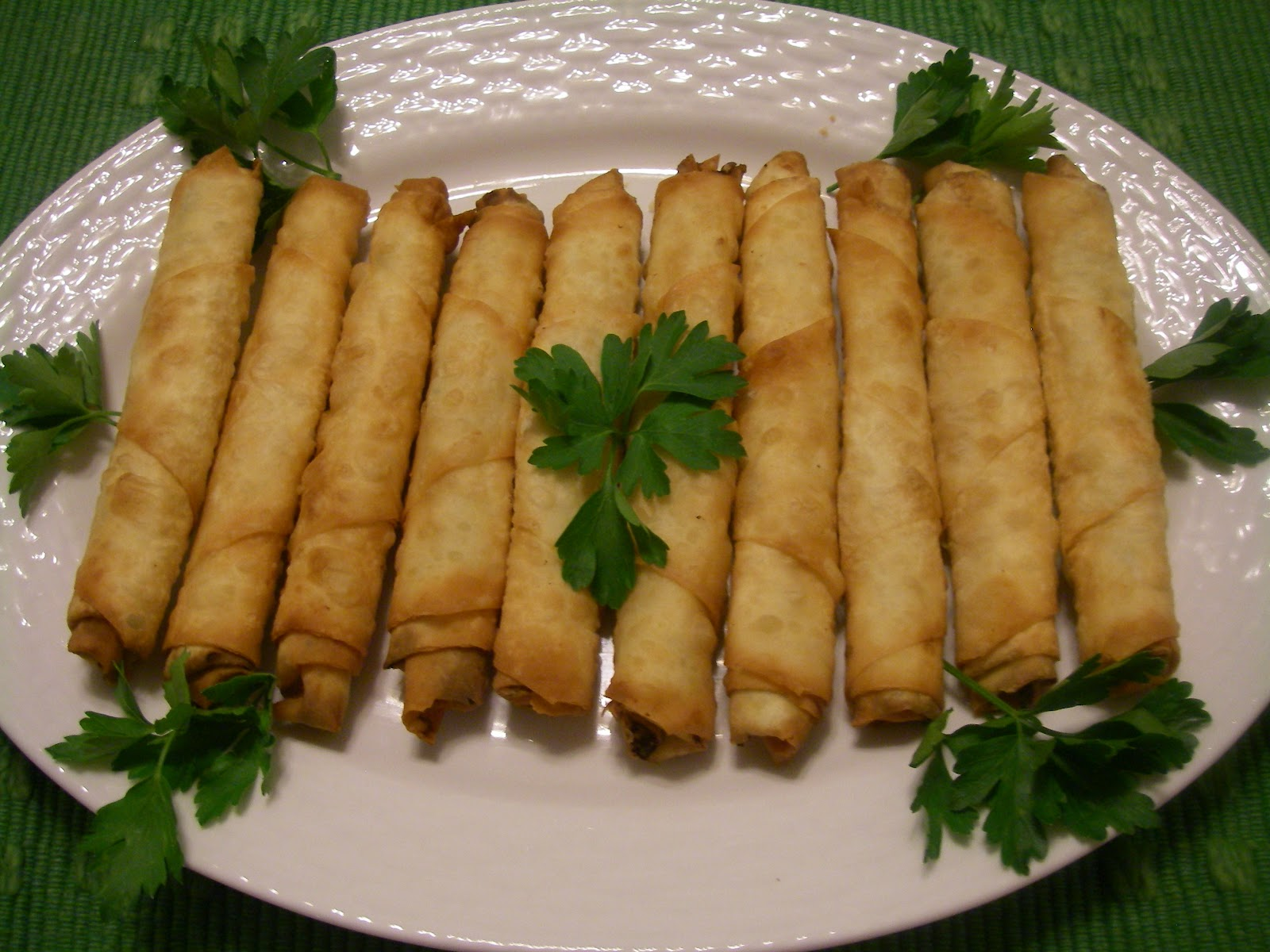 Easy Turkish Cooking: CIGAR BOREK-SİGARA BÖREGİ