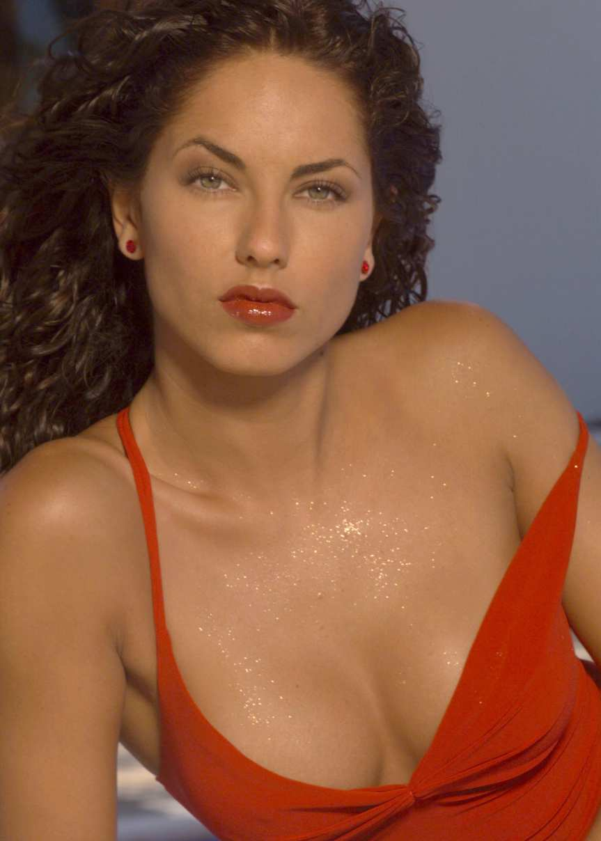 Ultra cool Fun: Mexican Actress and Model Barbara Mori