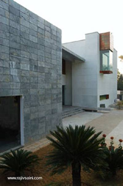 Arquitectura de casas una casa moderna en la india for Piani casa moderna india