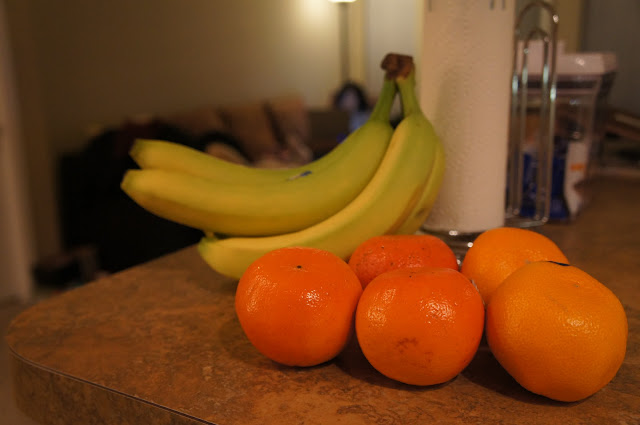 picture of bananas and oranges