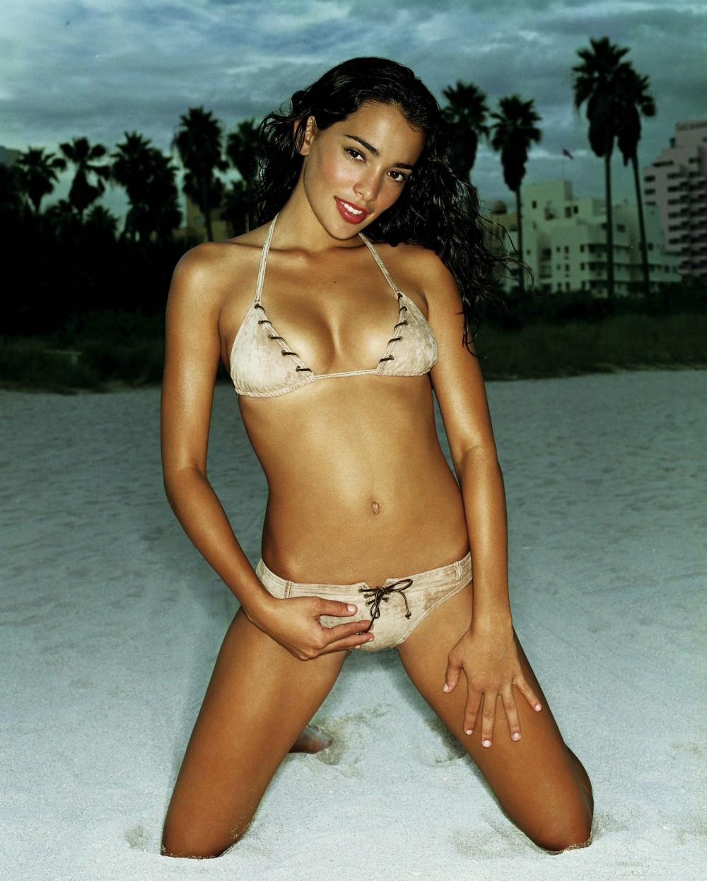model Natalie martinez hot | hot model hot actress hot pics