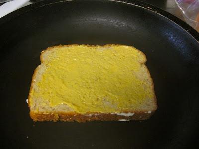 Американский горячий бутерброд с сыром