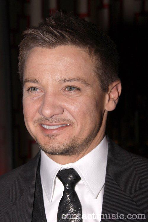 Jeremy Renner - Wallpaper Actress