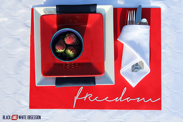 Freedom tablesetting: Red, White, and Blue Patriotic Tablescape perfect for Memorial Day, Independence Day, or Veteran's Day | www.blackandwhiteobsession.com
