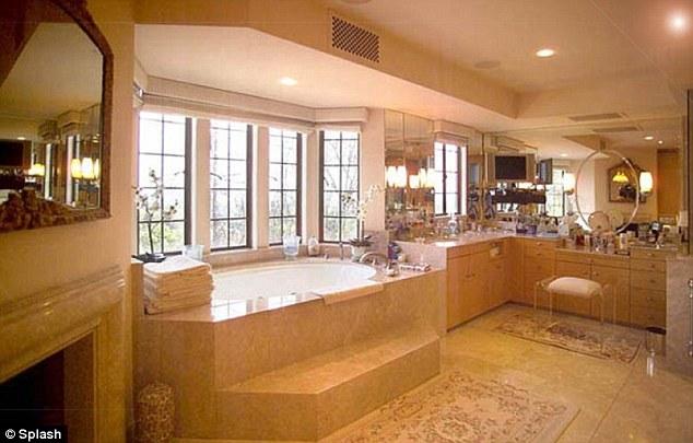 Bathroom in Sandra Bullock  39 s new home. Sandra Bullock Buys 23 Million Dollar Beverly Hills Home  She also