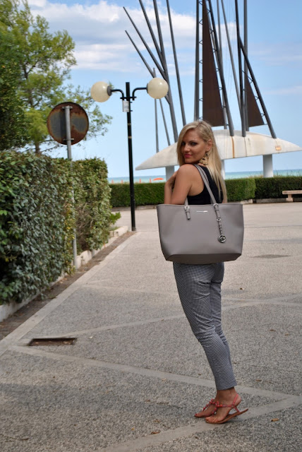 outfit bianco e nero abbinamenti bianco e nero come abbinare il nero come abbinare il bianco come abbinare il bianco e nero mariafelicia magno fashion blogger colorblock by felym fashion blog italiani fashion blogger italiane blog di moda blogger italiane di moda colorblock by felym ragazze bionde blonde hair blonde girls white outfit black and white outfit how to wear black and white how to combine black and white