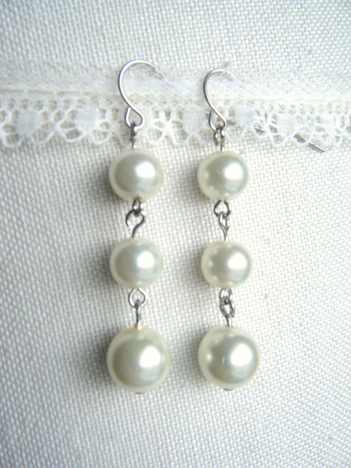 Miss Lovie: 10 Minute Pearl Earrings Tutorial