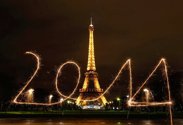 http://picture.gossiplankahotnews.com/2013/12/2014-celebrations-around-world.html