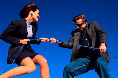 brigas e competições entre homens e mulheres